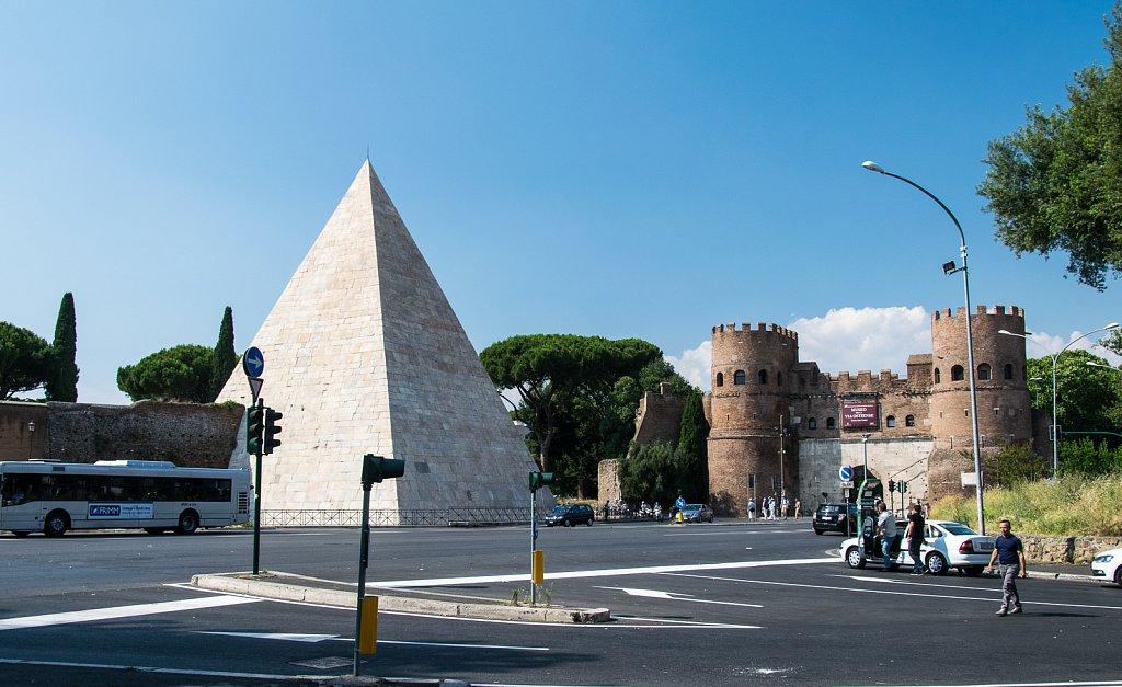 Die Aurelianische Mauer an der Porta San Paolo