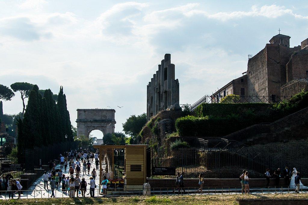 Zum Forum Romanum